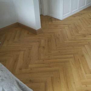 Robust Oak Herringbone